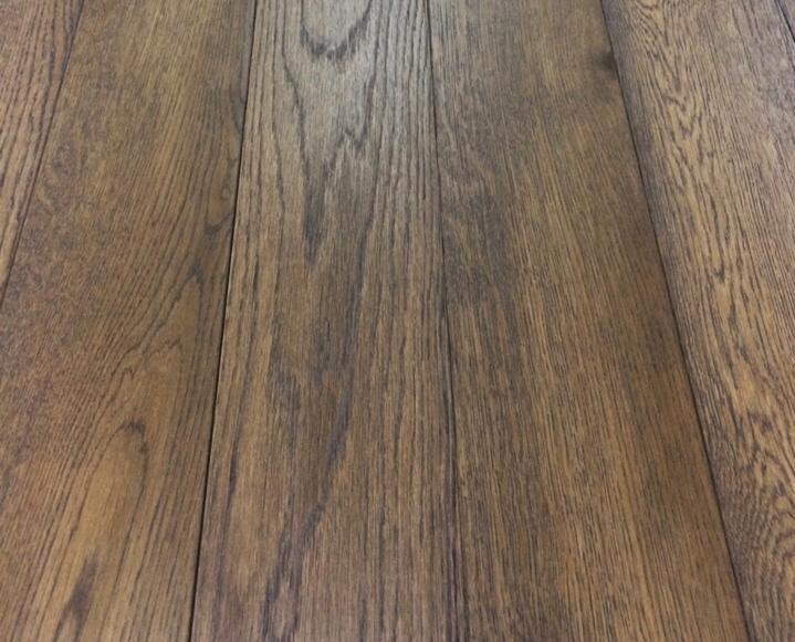 Ván sàn màu cổ điển
